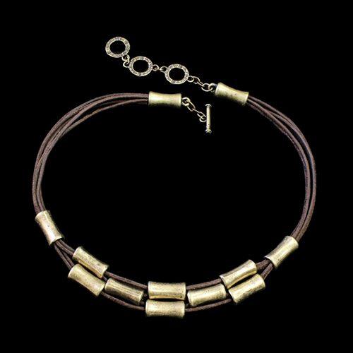 Ketting Era Brons een uniek sieraad met kokertjes in de kleur brons. In combinatie de armband Era Brons heeft u een uniek setje sieraden. Prijs € 25,00 | sieradencorner.nl.