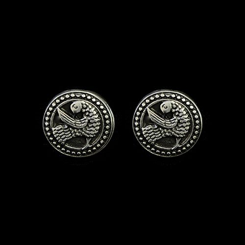 Verzilverde nikkelvrije oorbellen Romeya met afbeelding sierlijke duif. Prijs € 6,00. Op sieradencorner vind je klassieke, vintage en trendy sieraden.