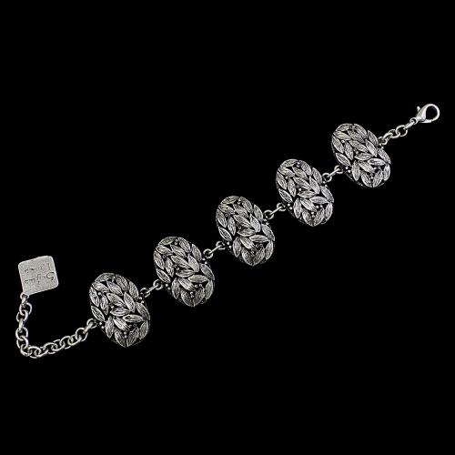 Armband Lavr een uniek sieraad. In combinatie met de oorbellen Lavr heeft u een uniek setje sieraden } sieradencorner.nl Verkoopprijs € 12,00.