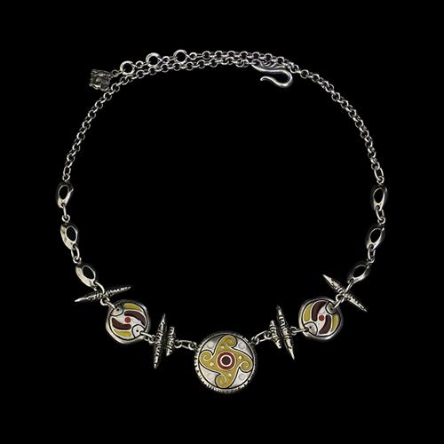 Ketting Terteria een uniek sieraad. In combinatie met armband Terteria en oorbellen Terteria heeft u een vrolijk setje sieraden. Verkoopprijs € 18,00 Bijzondere sieraden van goed kwaliteit en nikkelvrij bij sieradencorner.nl