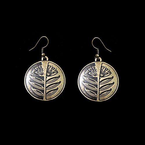 Bronzen oorbellen zagrava-bronze-c, ook verkrijgbaar in de kleur zilver. Lengte 4.7 cm. Prijs € 7.00 verkrijgbaar bij sieradencorner