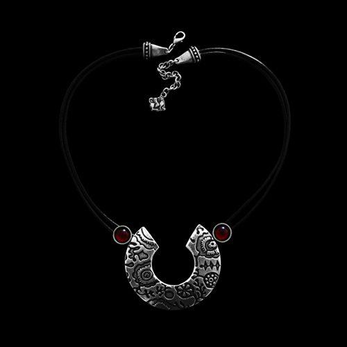 Ketting Petriko een uniek sieraad. In combinatie met de armband Petriko en oorbellen petriko heeft u een uniek setje sieraden. Sieraden bij sieradencorner.nl Prijs € 15,00