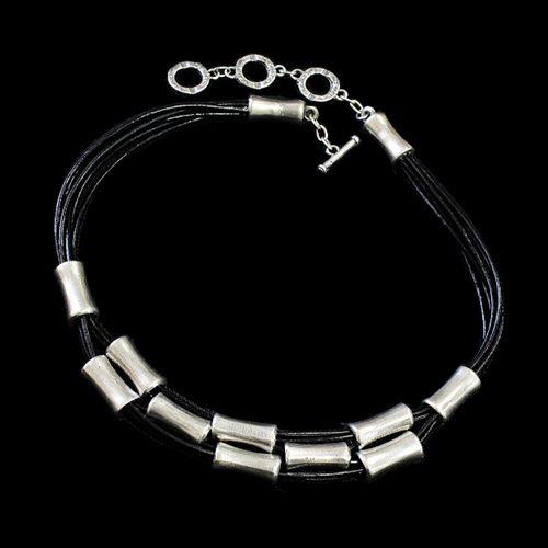 Ketting Era Silver een uniek sieraad met kokertjes in de kleur zilver. In combinatie de armband Era Zilver heeft u een uniek setje sieraden Prijs € 25.00 | sieradencorner.nl