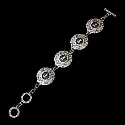 Armband Ochag Silver een uniek sieraad. In combinatie met ketting en oorbellen Ochag Silver heeft u een uniek setje sieraden. Exclusieve sieraden bij sieradencorner.nl. Prijs € 10.00