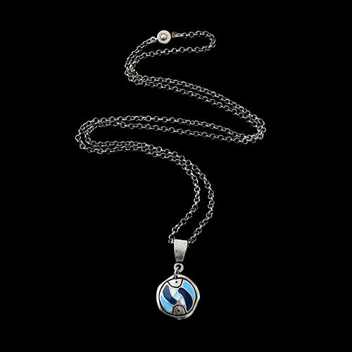 Zilverkleurige nikkelvrije ketting stepovik-blue. Lengte 70 cm. Koop nu je ideale nikkelvrije sieraad van uit de gehele wereld op sieradencorner.nl. Prijs€ 11,00