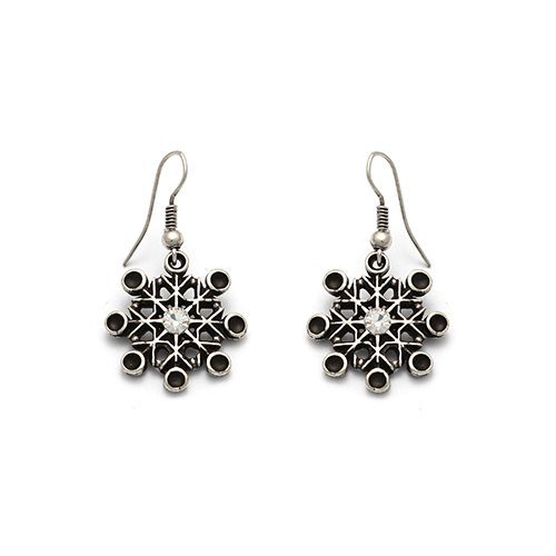 Silverplated nickelfree earrings Skazka, a unique decorated piece of jewelry. Price € 7.00 | sieradencorner.nl