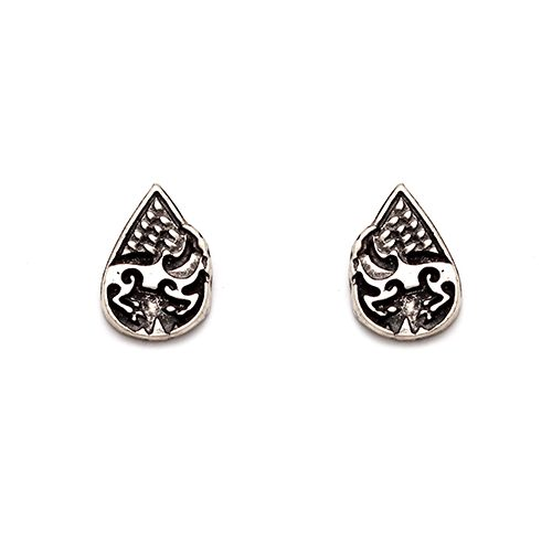 Earrings Ama seta silver plated nickel free. Price € 5,00. Jewelery corner has a unique collection of affordable jewelry from all over the world