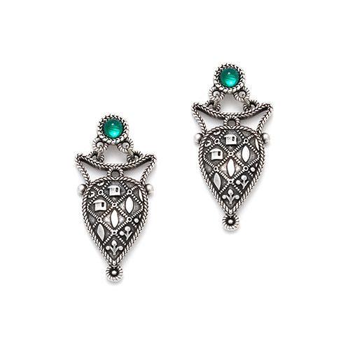 Zilverkleurige nikkelvrije oorbellen Miro Stijlvolle oorbellen met groen kraaltje. Prijs € 12,00 Op sieradencorner vind je betaalbare exclusieve sieraden