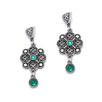 Earrings vizant seta silver colored nickel free. These earrings are decorated with green beads, Price € 15,00  sieradencorner.nl